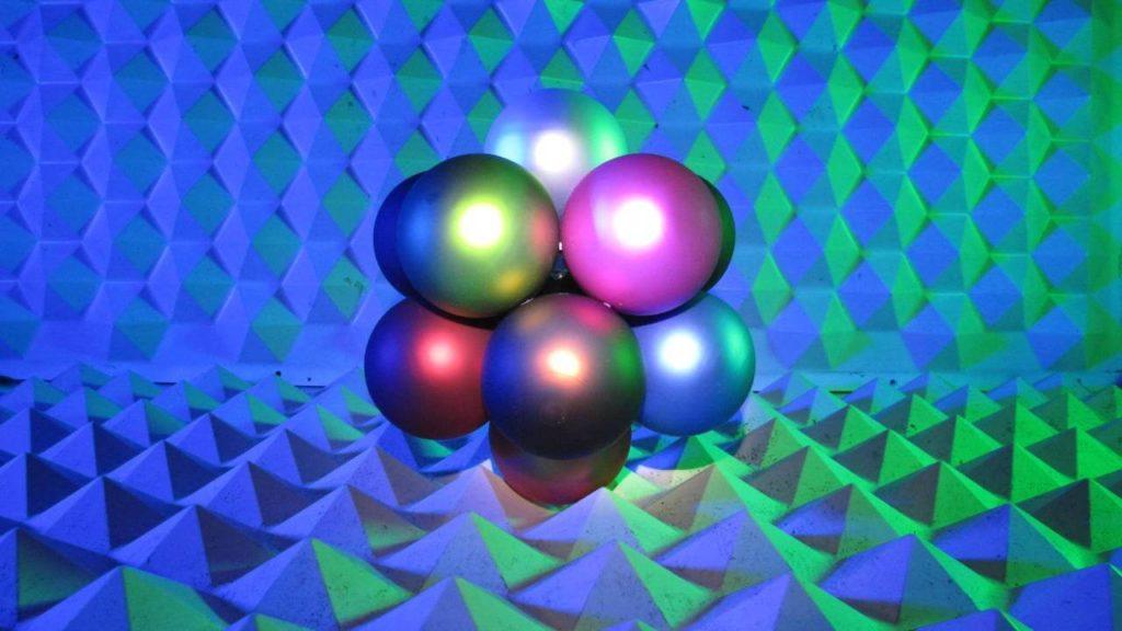 lumidium Icosahedral Cluster Installation 01